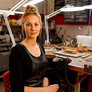 Angela Kiefer